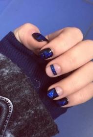 時尚個性藍寶石圖案彩繪美甲圖片