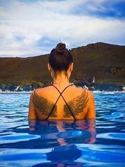 女性黑色线条素描纹身守护天使翅膀纹身图案大全图片