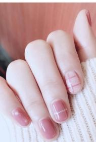 2017新款简单好看的粉色显白短指甲光疗美甲图片