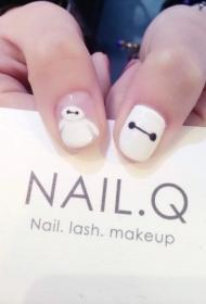 简单可爱的大白图案短指甲彩绘美甲