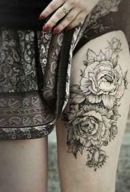 大腿富丽堂皇的牡丹花创意纹身图案