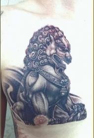 时尚男性胸部个性唐狮纹身图案