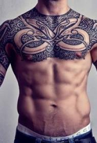 一组帅气十足的点刺技巧黑白纹身图案大全