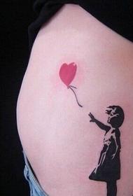 美女腰间创意的心形气球和人像纹身图案