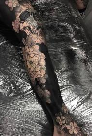 腿部好看的骷髅与牡丹花黑色纹身图案