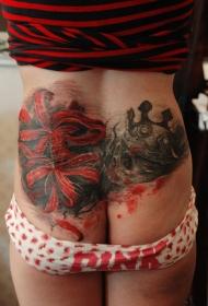 腰部骷髅皇冠和彼岸花彩绘纹身图案