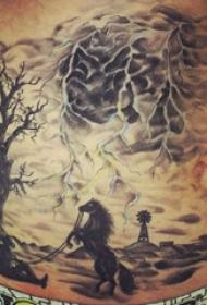 腰部黑色的中国风纹身树枝和闪电和马风景水墨纹身图片