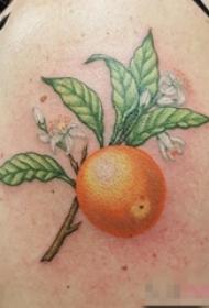 女生手臂上彩绘技巧植物素材香橙树枝纹身图片