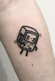 男生手臂上黑色立体几何元素简单线条盒子纹身图片
