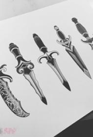 黑色素描创意个性一组匕首霸气纹身手稿