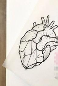 黑色線條素描創意個性心臟紋身手稿