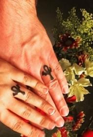 多款手指上文艺小清新的唯美戒指对戒创意纹身图案