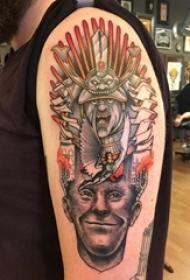 男生手臂上彩绘水彩素描创意印第安风格恐怖人物纹身图片