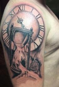 男内行臂上黑灰素描点刺技能创意精细沙漏纹身图片