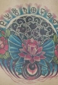 创意的彩绘渐变几何简单线条蝴蝶结和花朵纹身图片