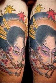 大面积彩绘简单线条日本传统纹身图案