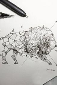 创意十足的黑色点刺几何简单线条小动物牛纹身手稿
