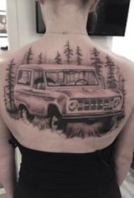 女生背部黑灰素描点刺技巧霸气汽车风景纹身图片