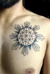 男生胸口上黑色线条素描创意文艺太阳纹身图片