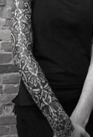 多款黑色线条素描创意霸气精致花纹纹身图案