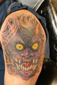 男生大臂上彩绘渐变抽象线条恐怖怪物纹身图片
