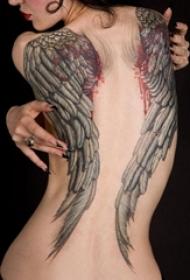 女生背部黑灰素描点刺技巧霸气大面积满背翅膀纹身图片