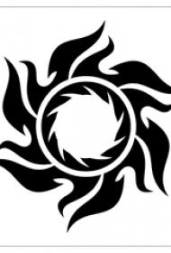 黑色线条素描文艺经典太阳纹身手稿