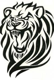 黑色线条素描创意霸气狮子头纹身手稿