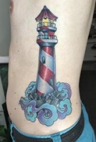 男生侧腰上彩绘渐变简单线条海浪和灯塔纹身图片