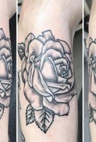 欧美玫瑰纹身男生手臂上欧美玫瑰纹身图案