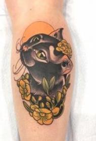 公牛头纹身 男生小腿上花朵和牛纹身图片