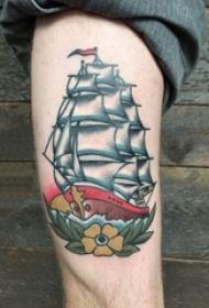 纹身大腿男 男生大腿上彩色的帆船纹身图片