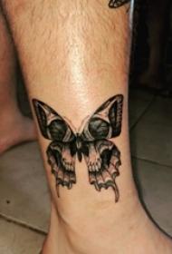3d蝴蝶纹身 男生小腿上蝴蝶和骷髅纹身图片