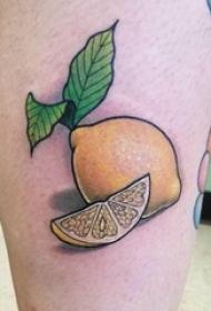 纹身柠檬水 女生大腿上彩色的柠檬纹身图片
