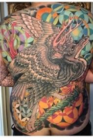 满背纹身图案 男生背部彩绘纹身满