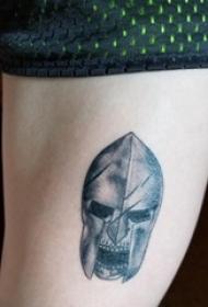 日本武士盔甲纹身 女生大腿上日本武士盔甲纹身图片