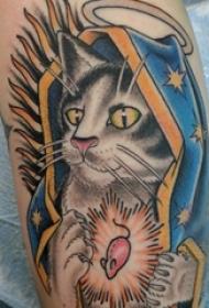 纹身大腿男 男生大腿上彩色的猫咪纹身图片
