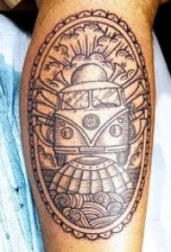 汽车纹身 男生小腿上黑色的汽车纹身图片