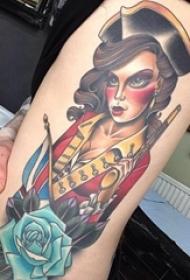 纹身侧腰男 男生侧腰上玫瑰和人物纹身图片