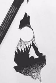狼纹身 创意的满月和狼纹身手稿