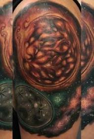 原宿星空纹身 男生手臂上原宿星空纹身图片