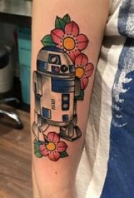 機器人紋身 男生手臂上花朵和機器人紋身圖片