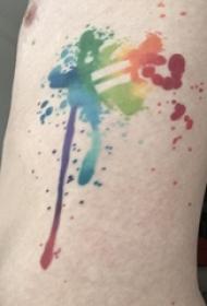纹身侧腰男 男生侧腰上彩色泼墨纹身图片
