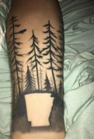 树纹身 男生手臂上黑灰纹身树纹身图片