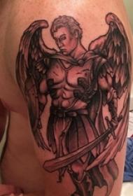 天使同党纹身素材 男内行臂上天使同党纹身素材图片