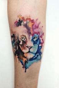 狮子头纹身图片 女生手臂上彩色泼墨纹身狮子头纹身图片