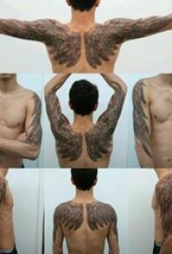 后背天使翅膀纹身 男生后背天使翅膀纹身图片