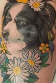 小狗纹身图片 女生大腿上花朵和小狗纹身图片