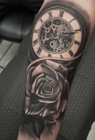 纹身钟表 男内行臂上黑色玫瑰斑纹身钟表纹身图片
