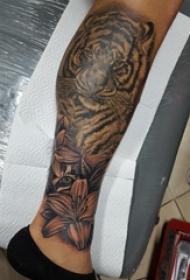 老虎图腾纹身 男生小腿上老虎图腾纹身图片